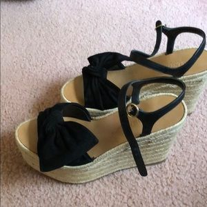 Valentino Garavani wedges with bow
